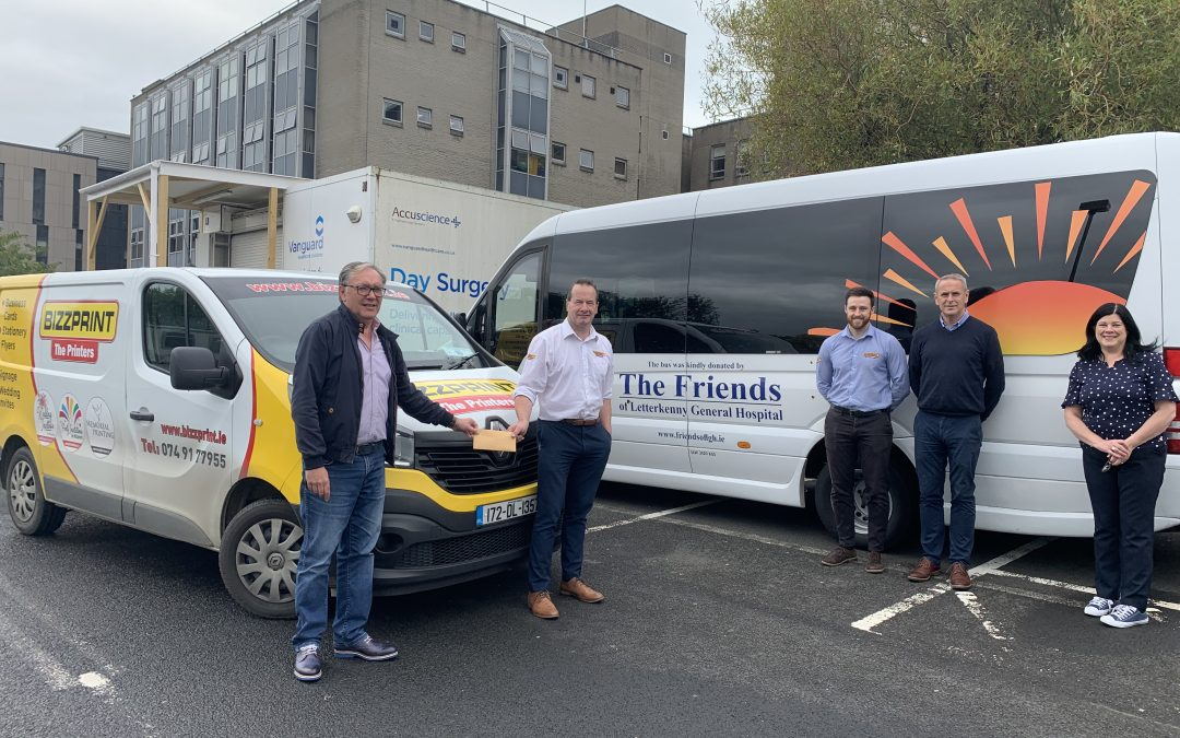 BIZZPRINT presents sponsorship cheque to chairman of Friends